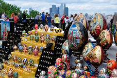 Sale  souvenirs on the Sparrow Hills in Moscow Royalty Free Stock Photos
