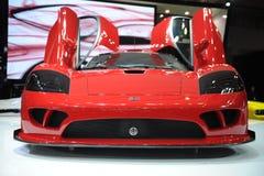 Saleen S7, toppen körning som är röd Royaltyfri Bild