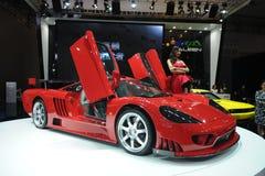Saleen S7, toppen körning som är röd Royaltyfria Bilder