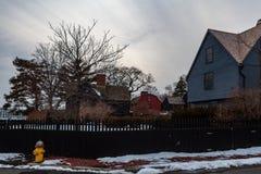 Salem, los E.E.U.U. 3 de marzo de 2019: La casa del museo de siete aguilones en Salem, Massachusetts que inspiró la novela del am fotos de archivo libres de regalías