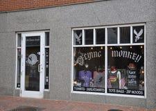 Salem, mA, le 1er juin : Le centre ville de boutique de fenêtre de Salem dans l'état du comté d'Essex Massachusettes des Etats-Un Photos libres de droits