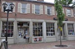 Salem MOR, 1st Juni: SouvenirMagasin centrum av Salem i den Essex County Massachusettes staten av USA Royaltyfri Bild