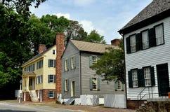 Salem vieja, NC: Hogares del siglo XVIII de Main Street Imágenes de archivo libres de regalías