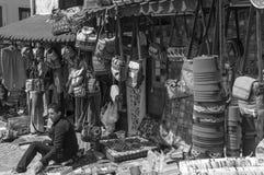 Saleman im Stall Stockfotografie