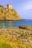 Salento Baai Porto Selvaggio: in watchtower achtergrond van Dell'Alto ITALIË (Puglia) Royalty-vrije Stock Foto