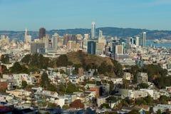 Salesforce塔和旧金山地平线 免版税库存照片