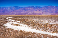 Salez les montagnes de panamint de bassin de badwater du parc national de Death Valley de vue du ` s de Dante la Californie Photos libres de droits