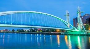 Salford quays dźwignięcia most w Machester zdjęcia stock