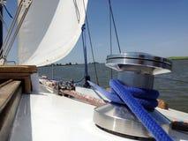 Salga el yate al mar abierto fotografía de archivo libre de regalías