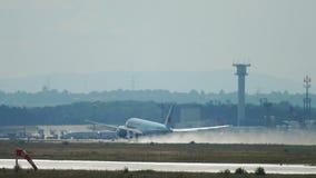 Salida de Air Canada Boeing 777 metrajes