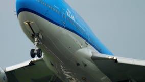 Salida de KLM Boeing 747 almacen de video