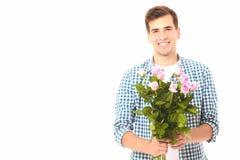 Salida de la flor Hombre con el ramo de rosas rosadas detrás el suyo detrás Día de la madre valentine Imagenes de archivo