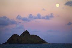 Salida de la luna pacífica Foto de archivo libre de regalías
