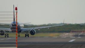 Salida del aeroplano del jet almacen de video