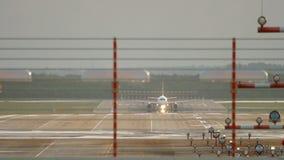 Salida del aeroplano del jet almacen de metraje de vídeo