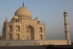 Salida del sol asombrosa en Taj Mahal Imágenes de archivo libres de regalías