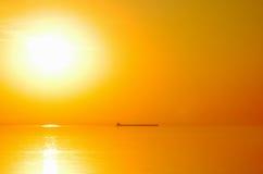 Salida del sol brillante del lago Fotografía de archivo libre de regalías