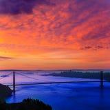 Salida del sol California de San Francisco de puente Golden Gate Imágenes de archivo libres de regalías
