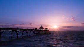 Salida del sol Clevedon Pier England D Imagen de archivo
