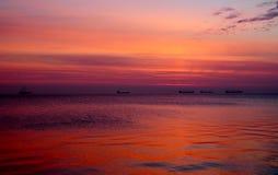 Salida del sol colorida hermosa sobre el mar Báltico en Polonia Fotografía de archivo libre de regalías