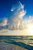Salida del sol, costa de Océano Atlántico, la Florida fotografía de archivo libre de regalías