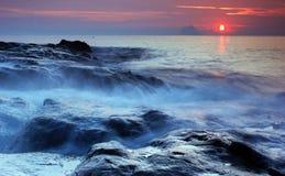 Salida del sol costera Imagenes de archivo