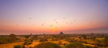 Salida del sol de Bagan imágenes de archivo libres de regalías