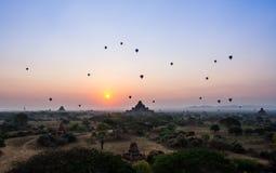 Salida del sol de Bagan fotografía de archivo libre de regalías
