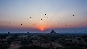 Salida del sol de Bagan foto de archivo libre de regalías