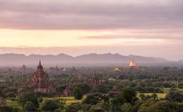 Salida del sol de Bagan, Myanmar Imágenes de archivo libres de regalías