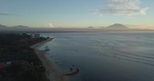 Salida del sol de Bali de un abej?n