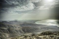 Salida del sol de Canarias - Lanzarote Hacha grande fotos de archivo