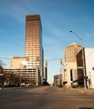 Salida del sol de Dayton Ohio Downtown City Skyline el domingo por la mañana Imagenes de archivo