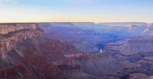 Salida del sol de Grand Canyon del punto del rastro de Hermest fotos de archivo