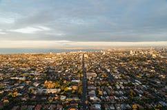 Salida del sol de la antena de los suburbios del bayside de Melbourne Imagen de archivo libre de regalías
