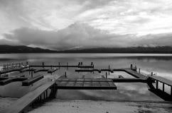 Salida del sol de la casa de campo de la orilla Fotos de archivo libres de regalías