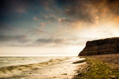 Salida del sol de la costa de mar en Chabanka Odesa Ucrania Imagenes de archivo