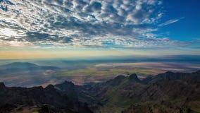 Salida del sol 676 de la cumbre de la montaña de Steens