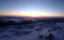 Salida del sol de la montaña Imagen de archivo libre de regalías