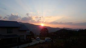 Salida del sol de la montaña Fotos de archivo libres de regalías