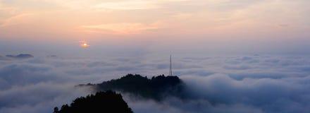 Salida del sol de la montaña de Qianlin fotografía de archivo libre de regalías