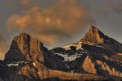 Salida del sol de la montaña rocosa Foto de archivo libre de regalías