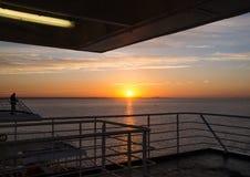 Salida del sol de la nave Foto de archivo libre de regalías
