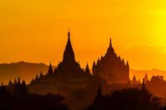 Salida del sol de la pagoda bagan imagenes de archivo