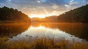 Salida del sol de la puesta del sol del paisaje Fotografía de archivo libre de regalías