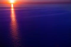 Salida del sol de la puesta del sol sobre el mar Mediterráneo Fotografía de archivo libre de regalías