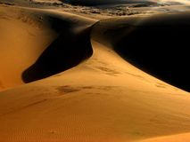 Salida del sol de las dunas de arena Foto de archivo