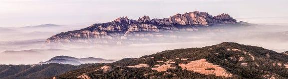 Salida del sol de Montserrat Fotos de archivo