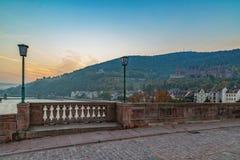 Salida del sol de niebla en Heidelberg foto de archivo