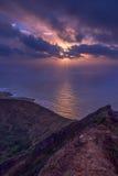 Salida del sol de Oahu en un cráter imágenes de archivo libres de regalías
